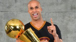 Jefferson com o seu Championship pelos Cavaliers