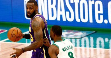 """Lakers vencem o """"clássico"""" da NBA."""